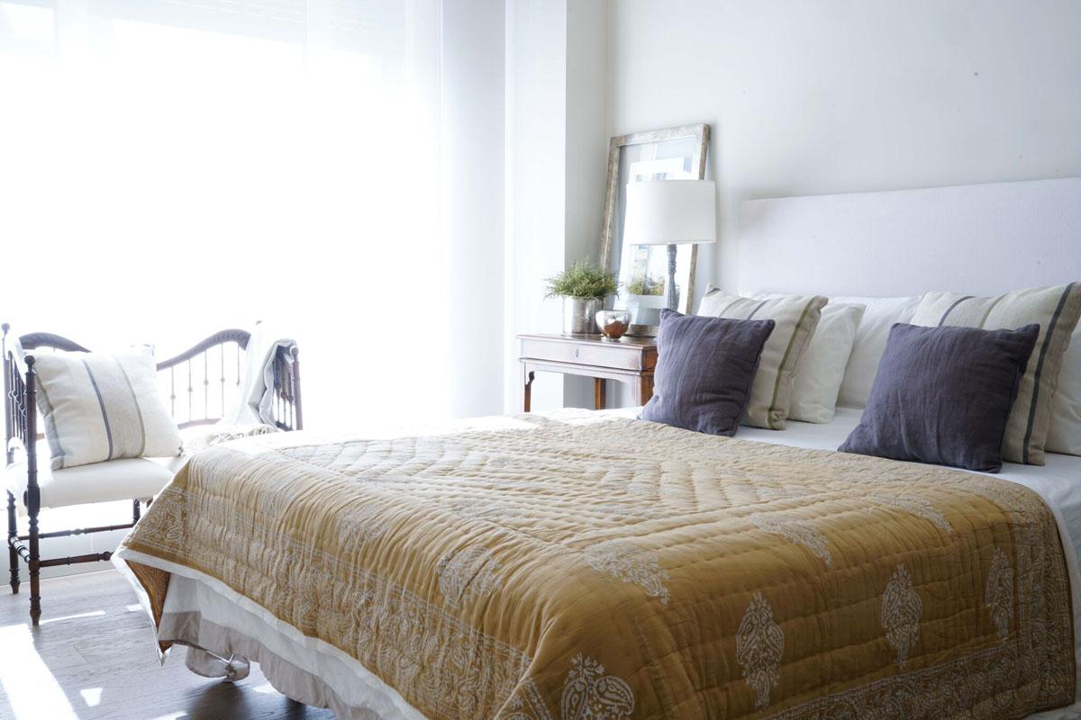 Decoración dormitorio colcha piso Pozuelo