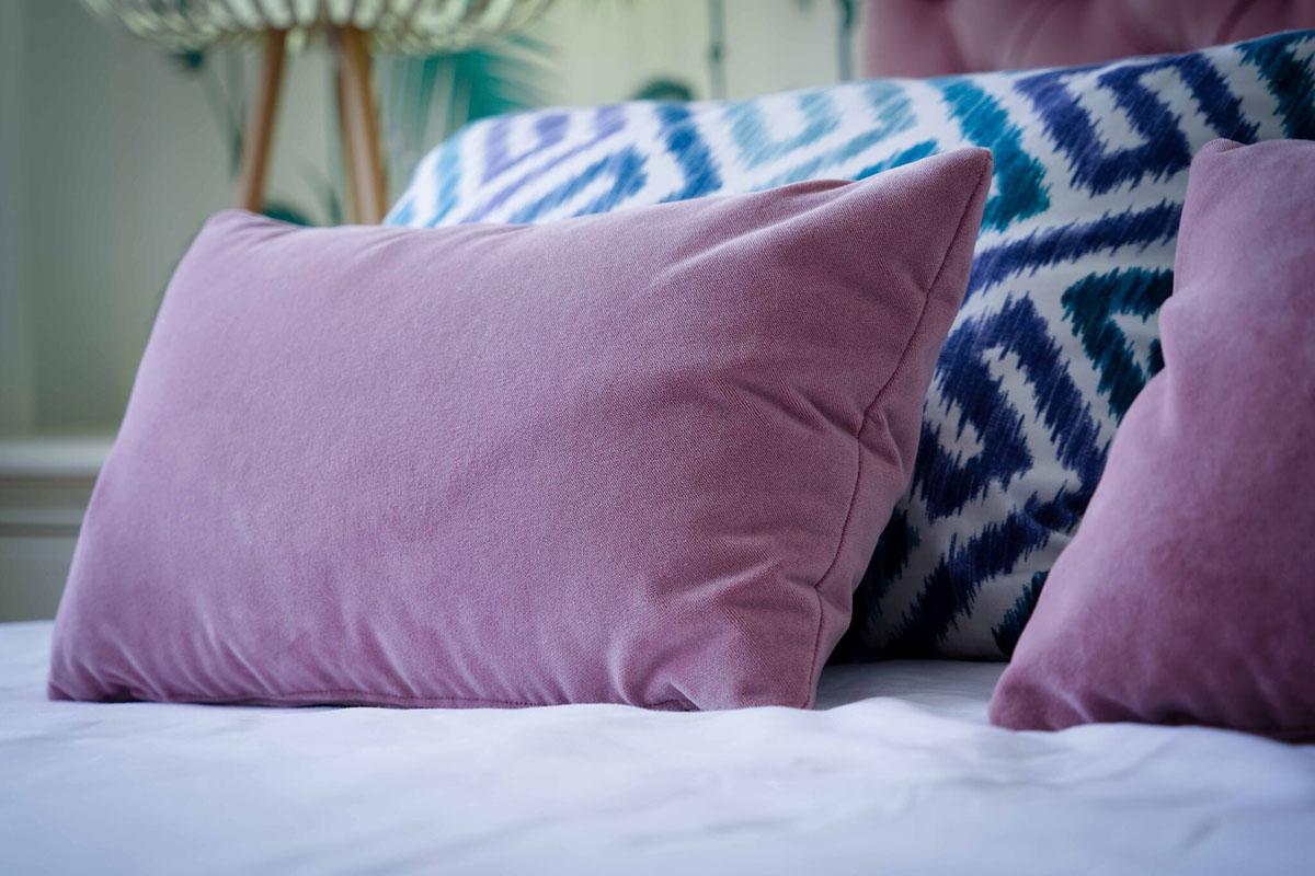 Cojines cama rosas